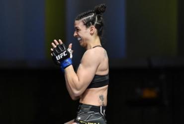 Única brasileira no UFC Las Vegas, Mackenzie vence Nina e fatura prêmio de 'performance da noite' | Divulgação | UFC Brasil