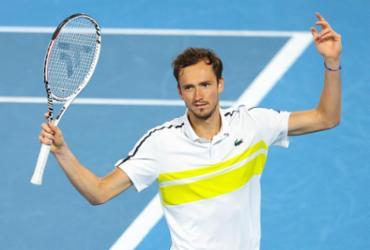 Medvedev testa positivo para Covid-19 e abandona o Masters de Monte Carlo |