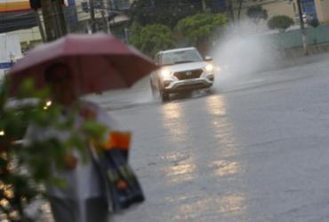 Previsão do tempo aponta para semana chuvosa em Salvador | Rafael Martins | Ag. A TARDE