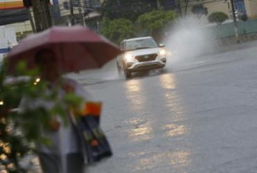 Salvador amanhece com chuva e ameaças de desabamento nesta sexta | Rafael Martins | Ag. A TARDE