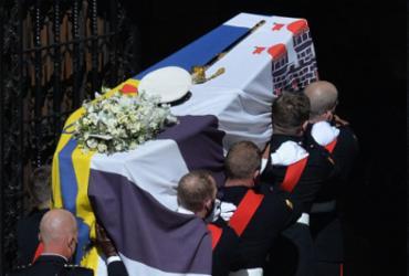 Funeral de Philip tem cortejo, missa e homenagens militares | Justin Tallis | AFP