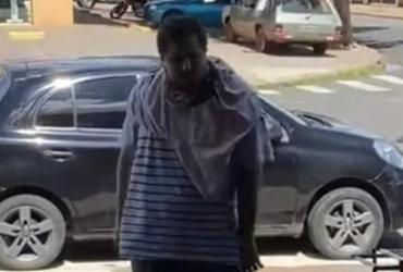 Homem que ofendeu motoboy é filmado em novo ato de injúria racial | Reprodução