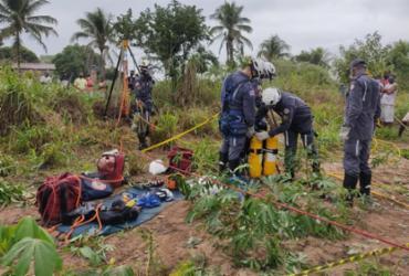 Adolescente é resgatado após cair em poço com mais de 20 metros em Irará