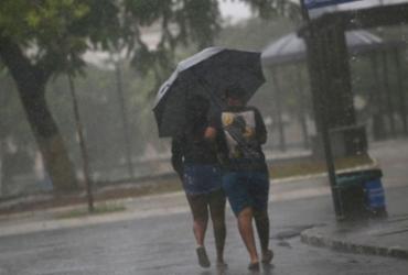 Salvador amanhece com chuva e riscos de deslizamentos nesta quinta | Raphael Müller | Ag. A TARDE