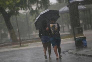 Salvador amanhece com chuva e casos de deslizamentos de terra | Raphael Müller | Ag. A TARDE
