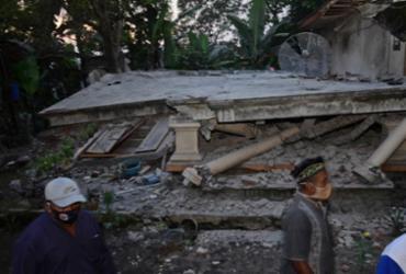Terremoto na Indonésia deixa ao menos sete mortos | Dahayu Tunggadewe | AFP
