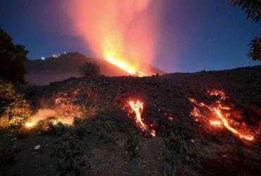 Vulcão no sul do Caribe entra em atividade e população é evacuada | Reprodução