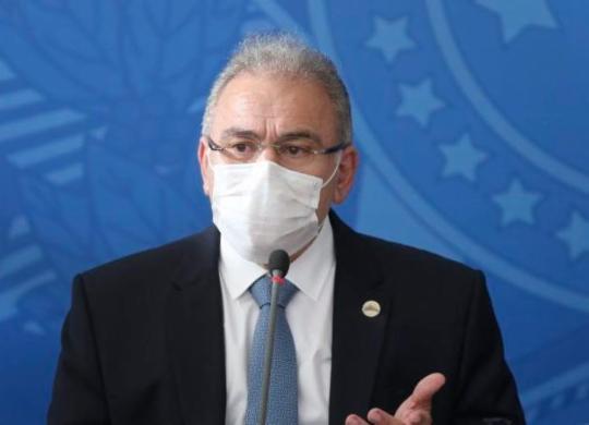 Queiroga promete 30,5 milhões de vacinas contra covid-19 para abril | Felipe Iruatã | Ag. A TARDE
