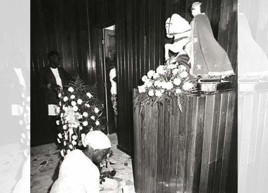 Mesmo com festa tornada facultativa São Jorge mantém devotos | Wilson Besnosik | Arquivo A TARDE | 23.4.1981