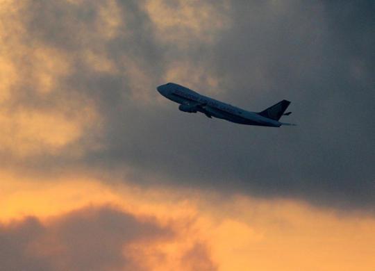 Espanha impõe quarentena para viajantes de Brasil, Peru, Colômbia e 9 países africanos | Martin Abuggao | AFP