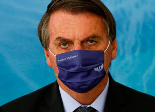 Bolsonaro diz que Fiocruz entregará mais 18 milhões de vacinas esse mês | Adilton Venegeroles | Ag. A TARDE