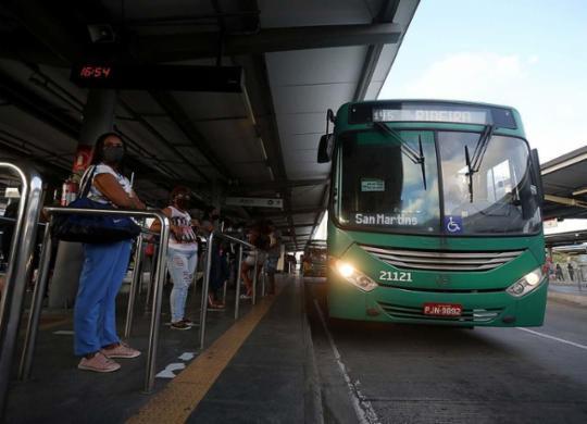 Toque de recolher altera horário de circulação do transporte coletivo em Salvador | Felipe Iruatã | Ag A TARDE |10.8.2020
