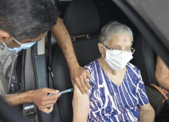 Covid-19: Salvador conclui vacinação de idosos nesta terça   Foto: Shirley Stolze   Ag. A TARDE
