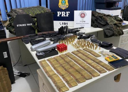 Suspeitos de roubos a bancos são presos com arsenal de guerra | Divulgação | SSP-BA