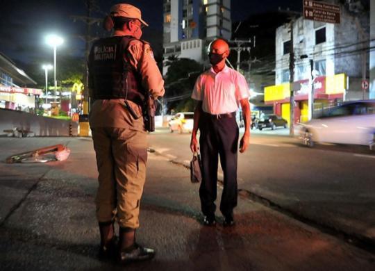 Prorrogado toque de recolher e proibição de shows e festas em toda a Bahia | Felipe Iruatã | Ag. A TARDE | 22.3.2021