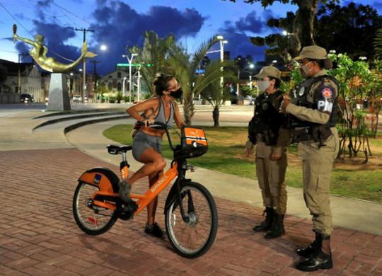 Toque de recolher e proibição de eventos e aulas presenciais na Bahia são prorrogados | Felipe Iruatã | Ag. A TARDE