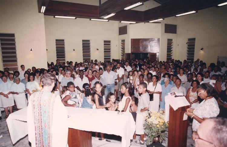 Mesmo com festa em sua homenagem tornada facultativa, São Jorge mantém seu prestígio em alta | Foto: Luciano da Matta | Arquivo A TARDE | 23.4.1999