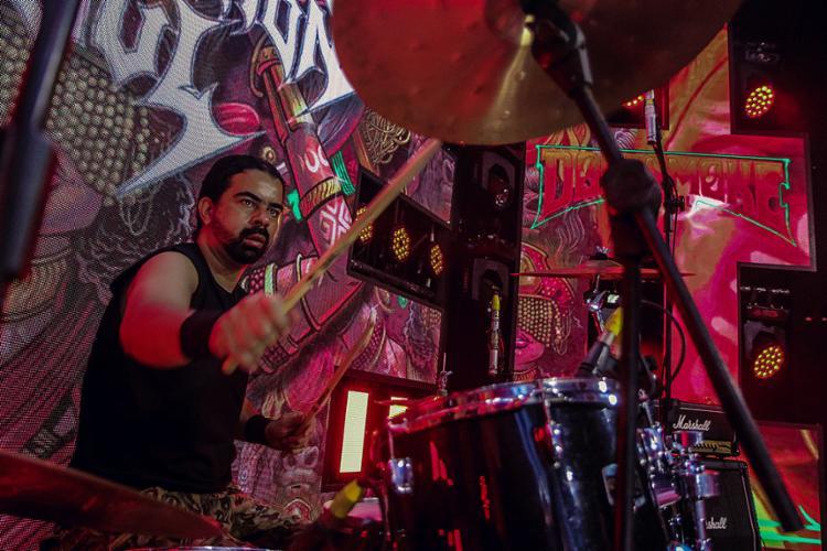 Márlon na bateria da Suffocation of Soul (de Poções). Na ativa desde 2006, lançou o álbum The First Attack (2014), mais alguns EPs   Foto: Rafael Santos   Divulgação