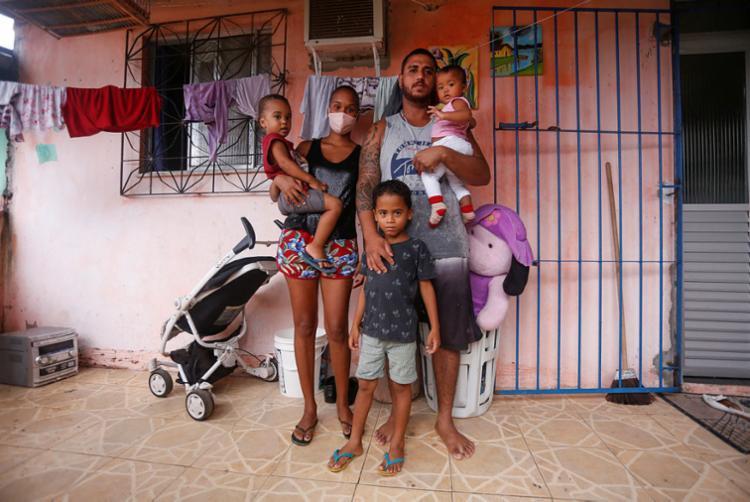 Sem trabalho, Bruna teve que mudar para a casa da sogra | Foto: Olga Leiria | Ag. A TARDE - Foto: Olga Leiria | Ag. A TARDE