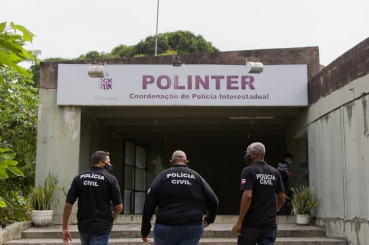 o suspeito foi encaminhado para a Coordenação de Polícia Interestadual (Polinter), onde segue à disposição da Justiça | Foto: Haeckel Dias | SSP-BA - Foto: Haeckel Dias | SSP-BA