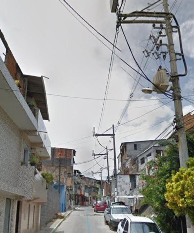 Corpo foi encontrado em casa na rua Senhor do Bonfim | Foto: Reprodução | Google Street View - Foto: Reprodução | Google Street View