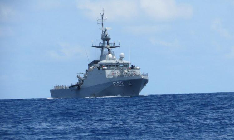 Segundo a Marinha, a embarcação transportava cerca de 600 kg de peixes sem licença   Foto: Divulgação   Marinha do Brasil - Foto: Divulgação   Marinha do Brasil