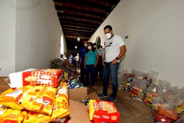 Prefeito Bruno Reis (DEM) esteve presente na ação que busca impactar 4,2 mil famílias - Foto: Divulgação/Ascom