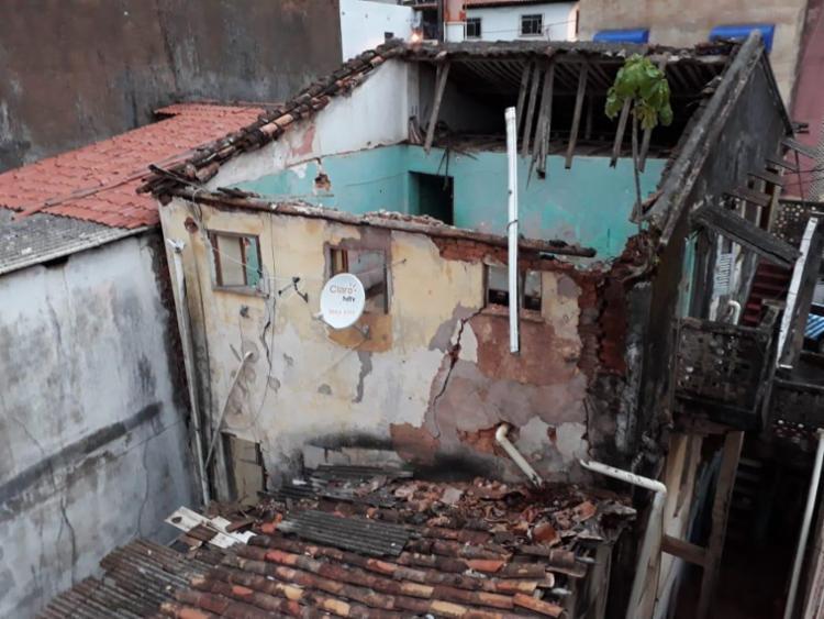 A Codesal informou que o imóvel estava desocupado e parte do telhado desabou internamente | Foto: Divulgação | Codesal - Foto: Divulgação | Codesal