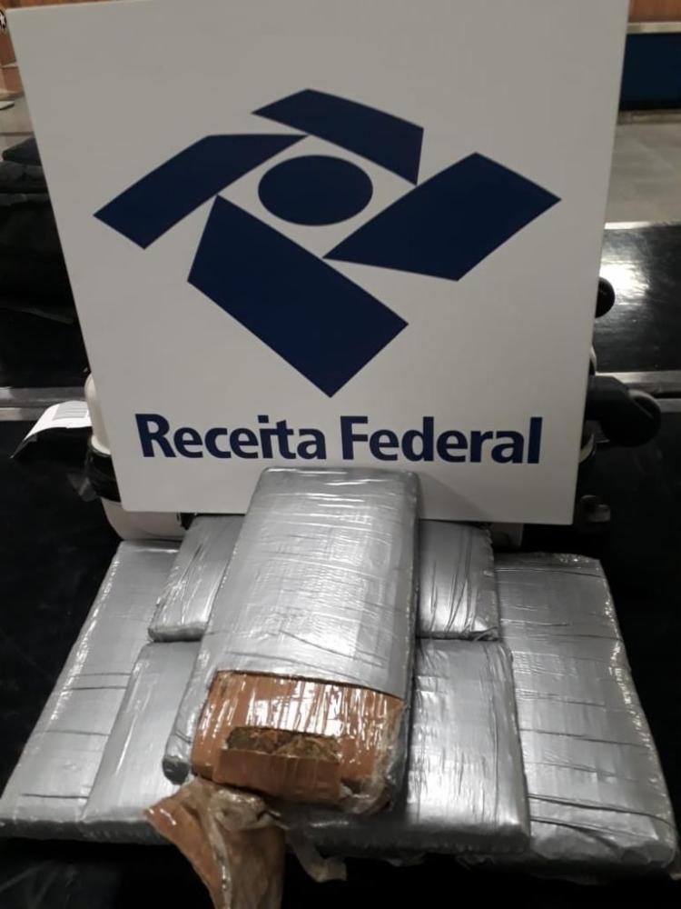 Droga foi encaminhada para a Polícia Federal, que prosseguirá com a apuração | Foto: Divulgação | Receita Federal - Foto: Divulgação | Receita Federal
