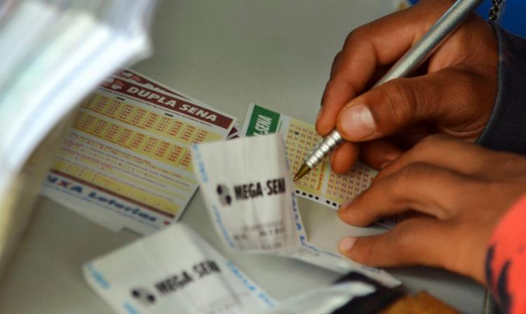 Também na noite de ontem foram sorteados os números do Concurso 2.212 da Dupla Sena de Páscoa I Foto: Agência Brasil - Foto: Agência Brasil