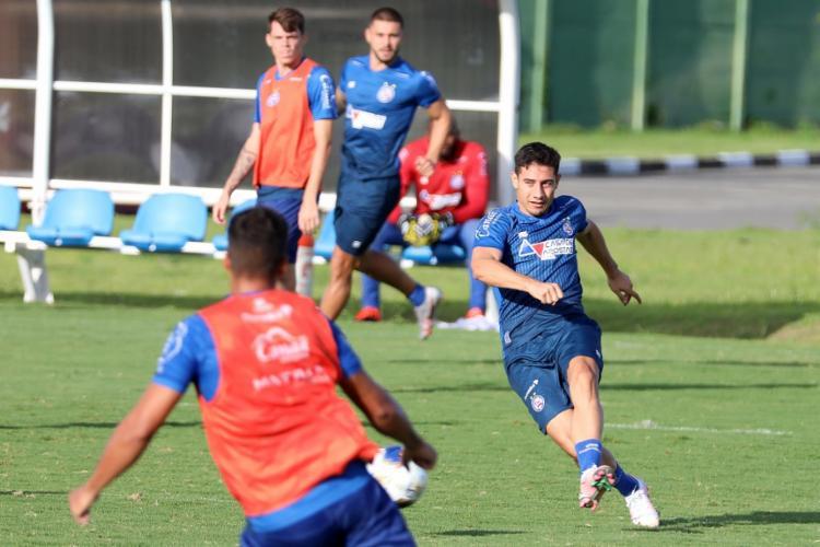 Em campo, o treinador Dado Cavalcanti aplicou trabalhos técnico e táticos | Foto: Felipe Oliveira | EC Bahia - Foto: Felipe Oliveira | EC Bahia
