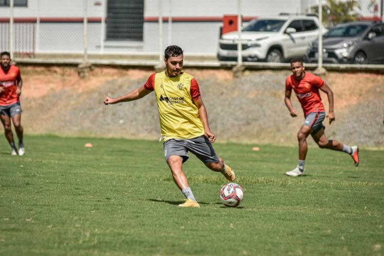 Alisson Farias tem sido uma das decepções na temporada 2021 | Foto: Pietro Carpi | EC Vitória - Foto: Pietro Carpi | EC Vitória