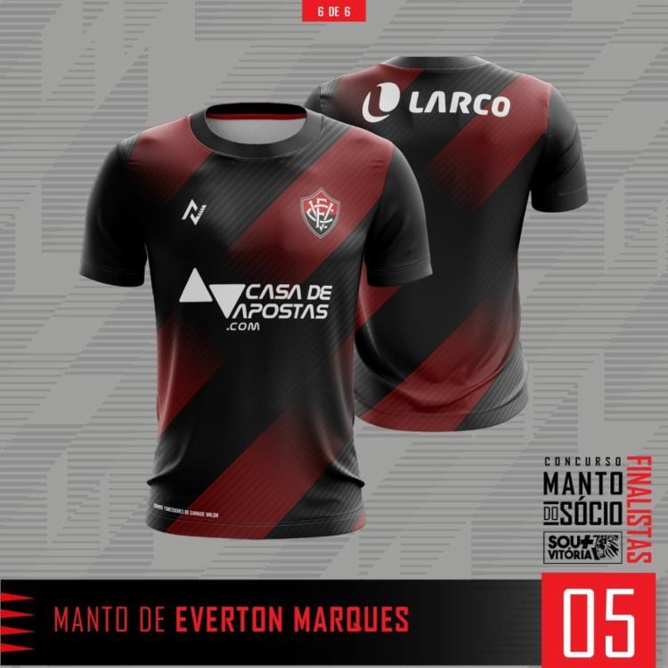 A camisa elaborada pelo torcedor Everton Santos homenageia o uniforme da temporada 2013 | Foto: Divulgação | EC Vitória - Foto: Divulgação | EC Vitória