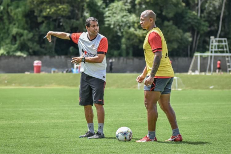 Rodrigo Chagas pode não contar com o jogador para o duelo contra o Doce Mel | Foto: Pietro Carpi | EC Vitória - Foto: Pietro Carpi | EC Vitória