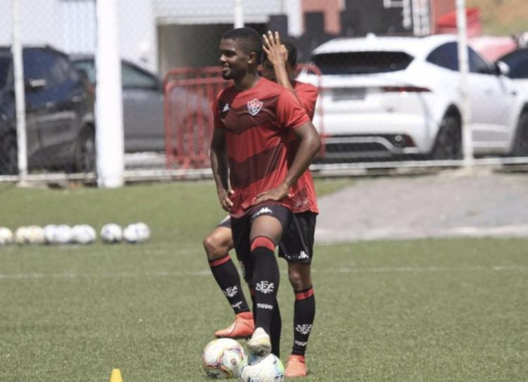 Lucas Barreto pode estrear pelo time principal neste domingo | Foto: Pietro Carpi | E.C.Vitória - Foto: Pietro Carpi | E.C.Vitória