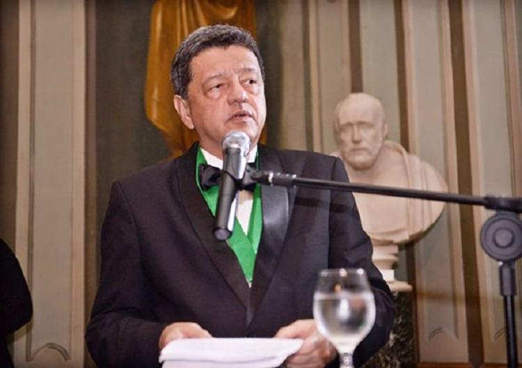 Dr. Jorge Pereira é professor da Faculdade de Medicina da Universidade Federal da Bahia, membro da Academia de Medicina da Bahia e presidente da Sociedade de Pneumologia da Bahia - Foto: Divulgação