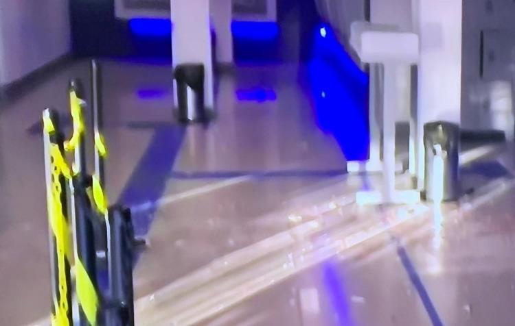 Apesar da explosão, os bandidos não conseguiram levar o dinheiro | Foto: Reprodução | TV Bahia - Foto: Reprodução | TV Bahia