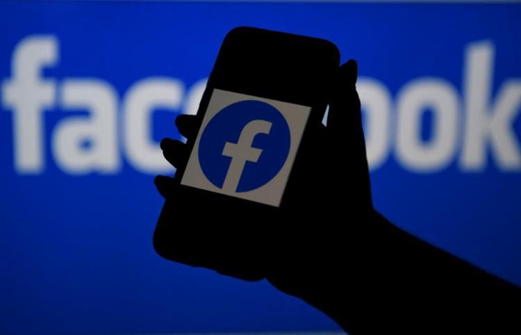 Plano do Facebook chega para evitar a perda de usuários para o Clubhouse | Foto: Olivier Douliery | AFP - Foto: Olivier Douliery | AFP