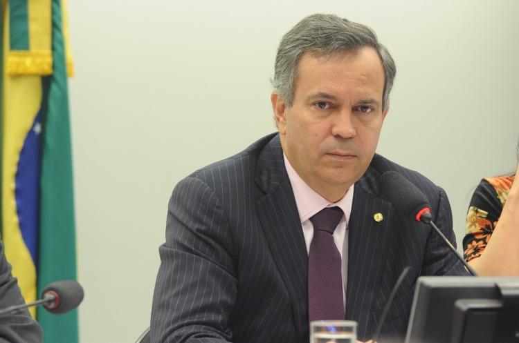 Félix Mendonça Jr. afirmou que presidente deveria se portar