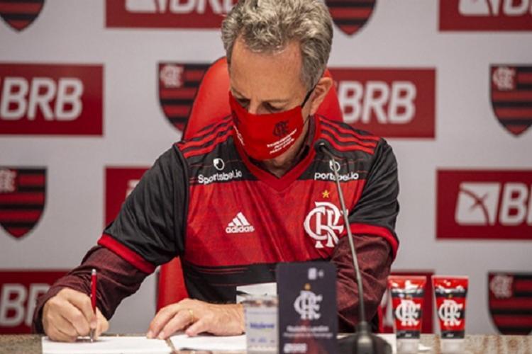 Contrato vai até dezembro de 2022 e marca vai estampar as costas do uniforme rubro-negro | Foto: Divulgação | Flamengo - Foto: Divulgação | Flamengo