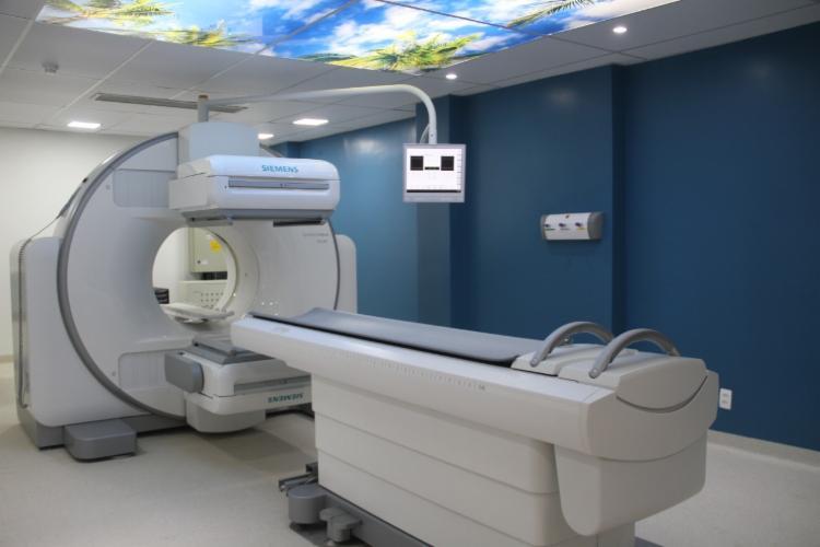 A unidade é a primeira da Bahia a receber a máquina, que beneficiará especialmente pacientes das áreas de oncologia, cardiologia, nefrologia, gastroenterologia, neurologia e infectologi | Foto: Divulgação - Foto: Divulgação