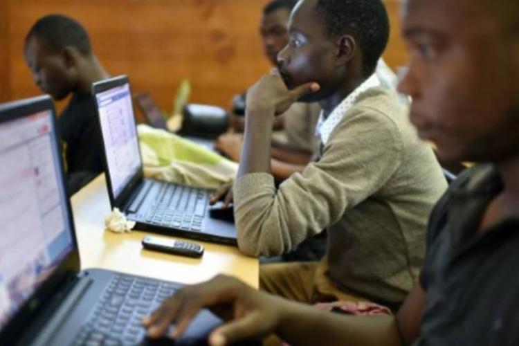 Em 2019, Brasil tinha quase 40 milhões de pessoas sem acesso à internet I Foto: AFP - Foto: AFP