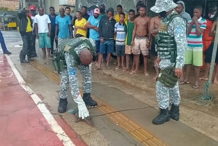Animal pesava aproximadamente 7kg e possuia cerca de 1m | Foto: Divulgação | Guarda Civil Municipal - Foto: Divulgação | Guarda Civil Municipal