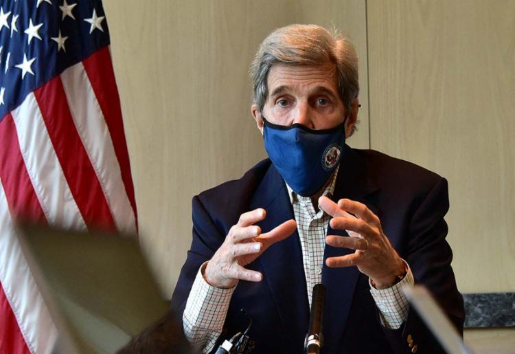 John Kerry, o enviado dos EUA para o clima, visitou Xangai no sábado, 17   Foto: AFP - Foto: AFP
