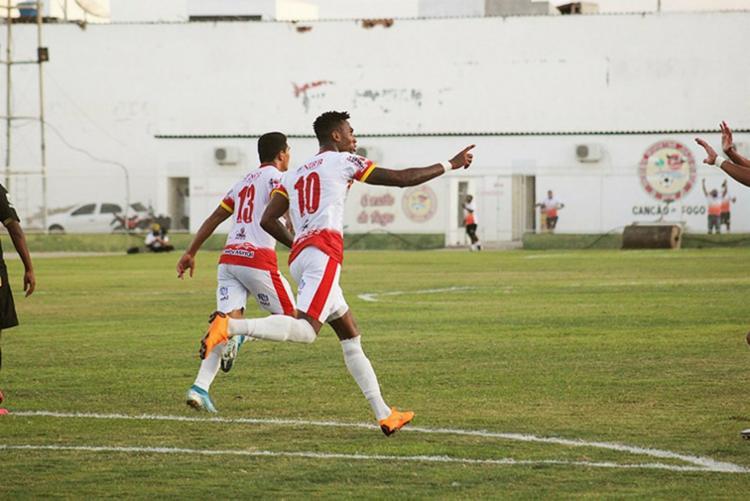 Jogadores da Juazeirense comemoram gol contra Voltaço | Foto: Bruno Lopes | Juazeirense - Foto: Bruno Lopes | Juazeirense