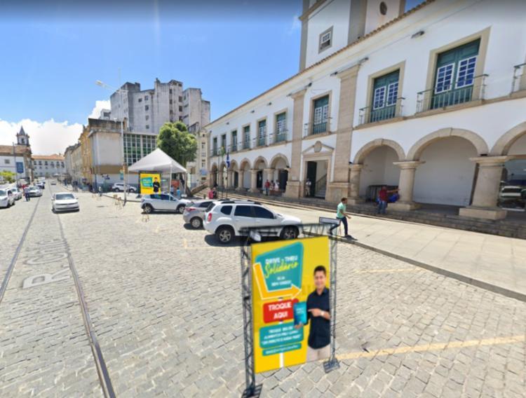 Ao doar 5 kg de alimento, a pessoa recebe em troca um livro   Foto: Divulgação - Foto: Divulgação