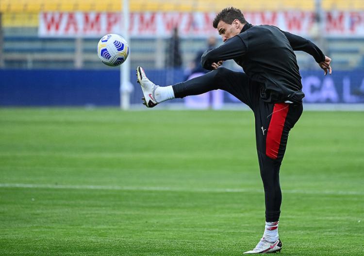 Mandzukic, de 34 anos, até agora só disputou cinco partidas com a camisa 'rossonera' | Foto: Alberto Pizzoli | AFP - Foto: Alberto Pizzoli | AFP