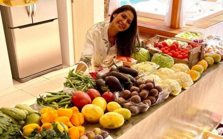Ela também anunciou que começou um desjejum apenas composto de frutas, verduras e legumes crus   Foto: Reprodução   Instagram - Foto: Reprodução   Instagram