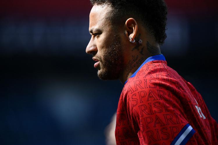 Foi a segunda expulsão de Neymar nesta temporada, depois da sofrida contra o Olympique de Marselha no início do ano   Foto: Franck Fife   AFP - Foto: Franck Fife   AFP