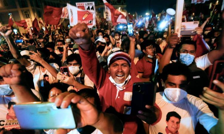 Voto no Peru é obrigatório e quem não votar deve pagar multas - Foto: Gian Masko   AFP